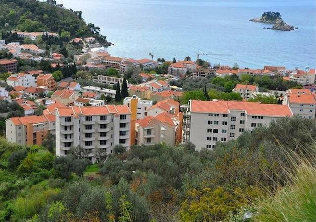Недвижимостью в черногории и дома