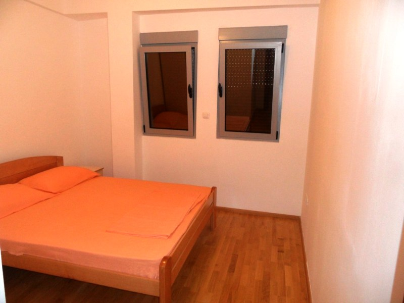 Четырехкомнатная двухуровневая квартира в Будве