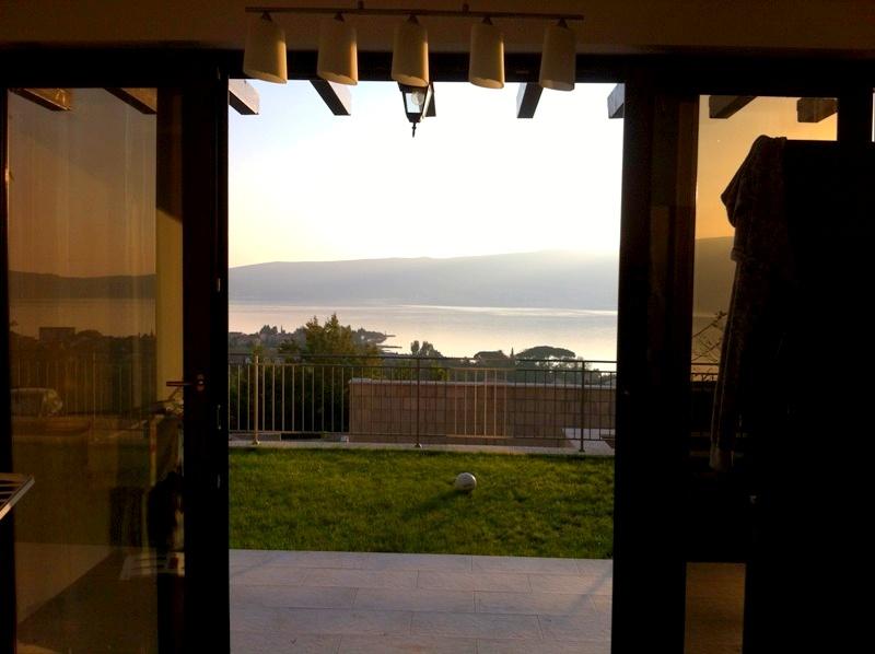 Апартаменты с видом на залив в доме бизнес класса