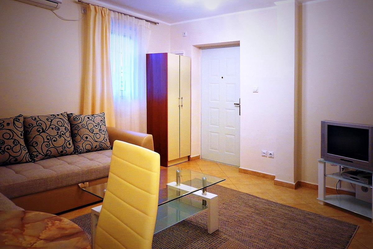Уютный апарт-отель в Баре