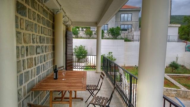 Квартира с видом на залив Траште