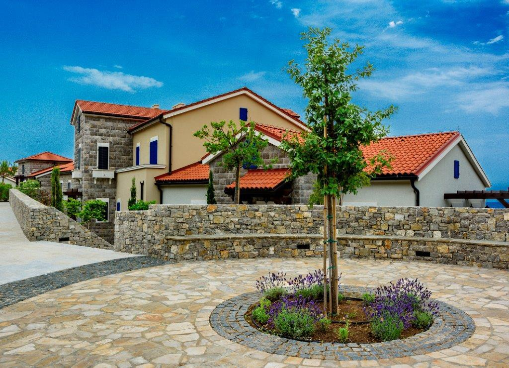 Апартаменты с тремя спальнями в резиденции Magnolia, Lustica Bay
