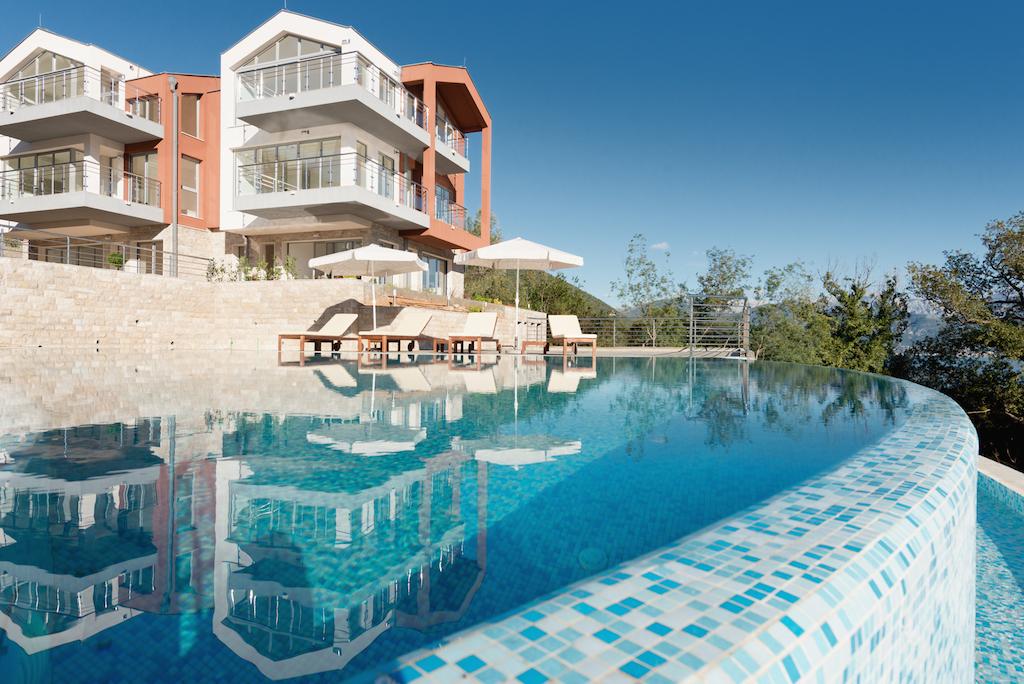 Апартаменты с видом на залив в клубном комплексе