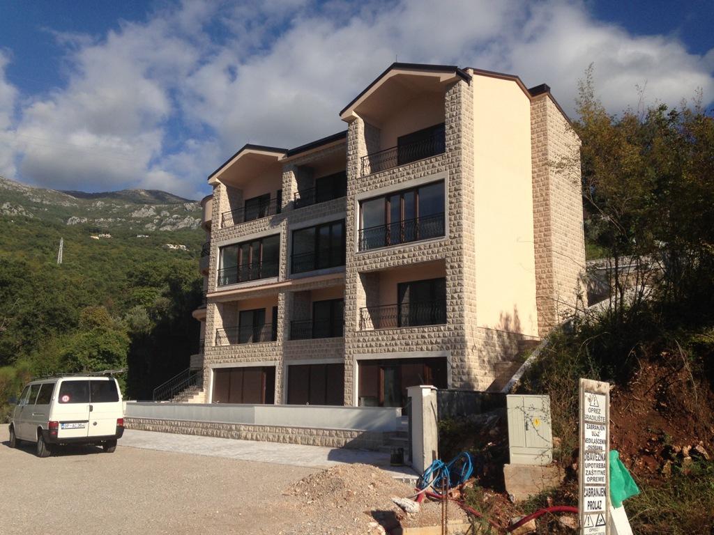 Новый апарт-отель с видом на море в Каменово
