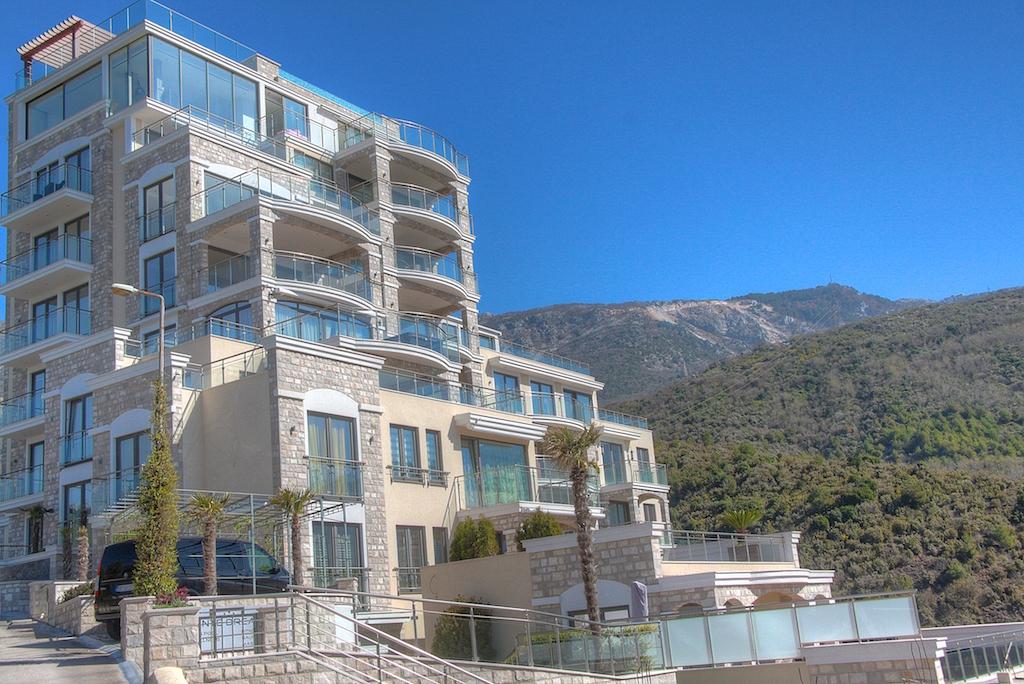 Апартаменты с большой террасой с видом на море