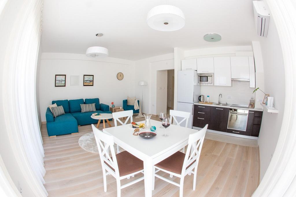 Квартира 3 спальнями в новом комплексе с видом на залив