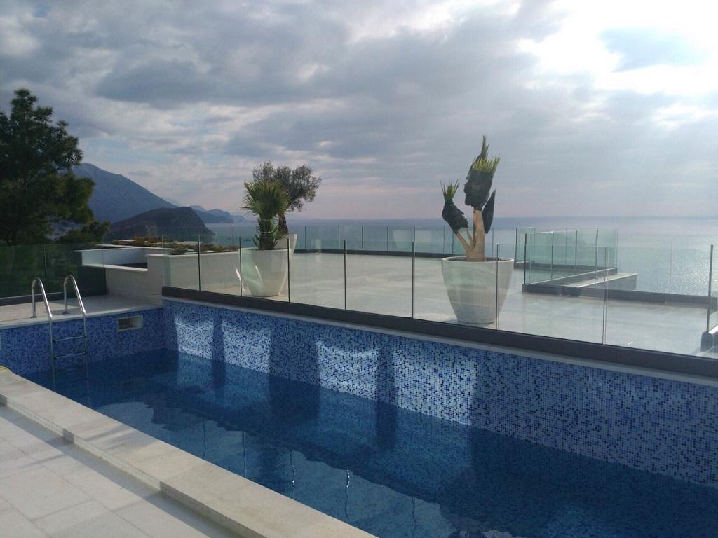 Вилла с потрясающим видом и бассейном