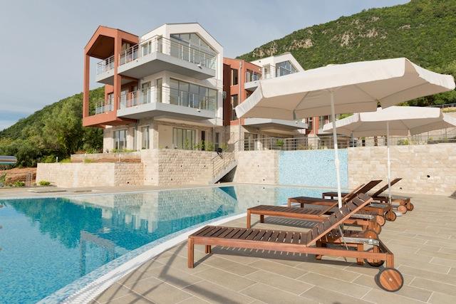 Апартаменты с видом на залив в клубном ЖК