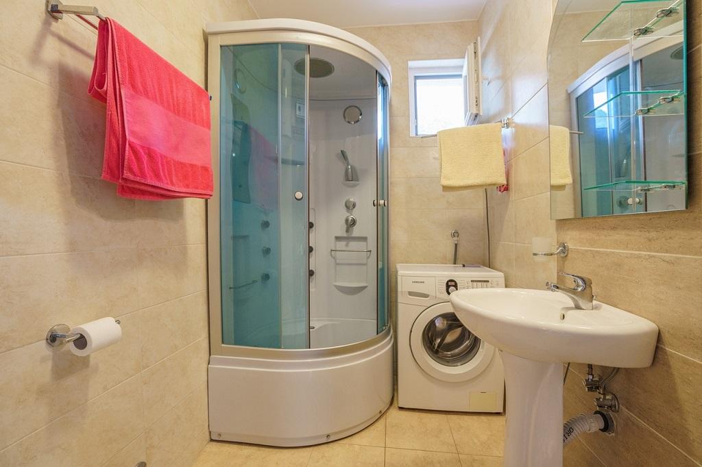 Просторная квартира с 2 спальнями в Будве