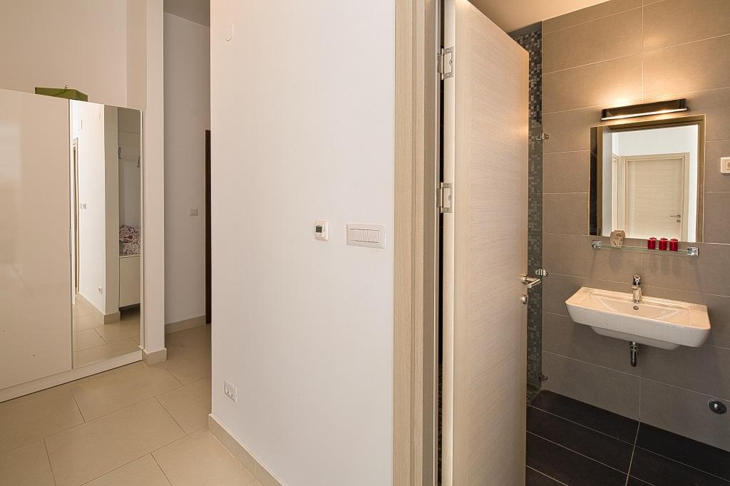 Квартира с двумя спальнями в комплексе с бассейном