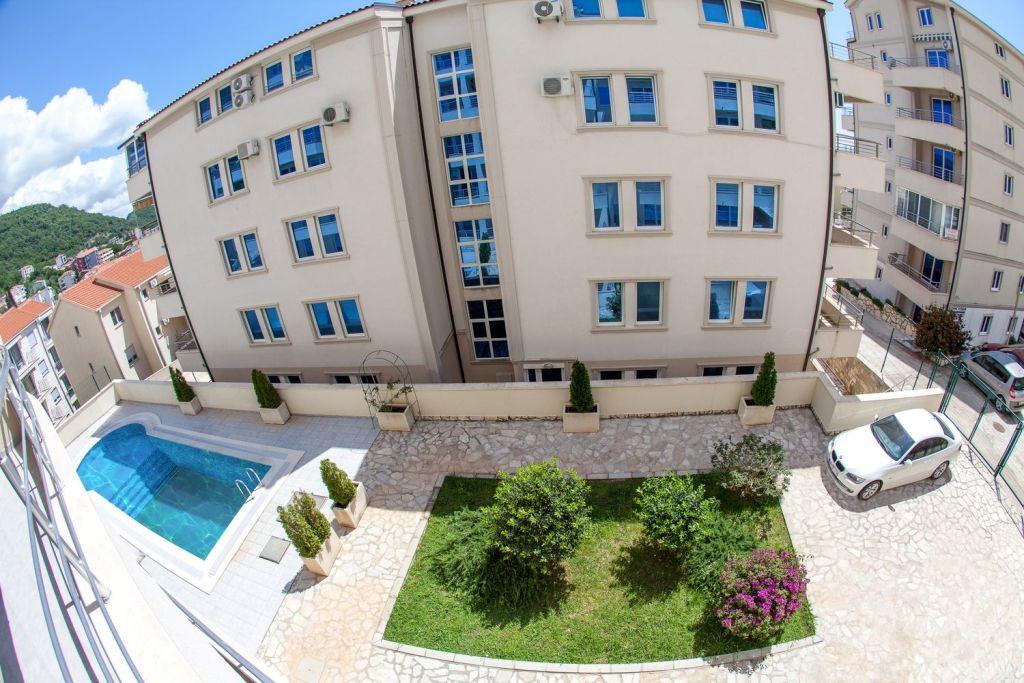 3-х комнатная квартира в комплексе с бассейном
