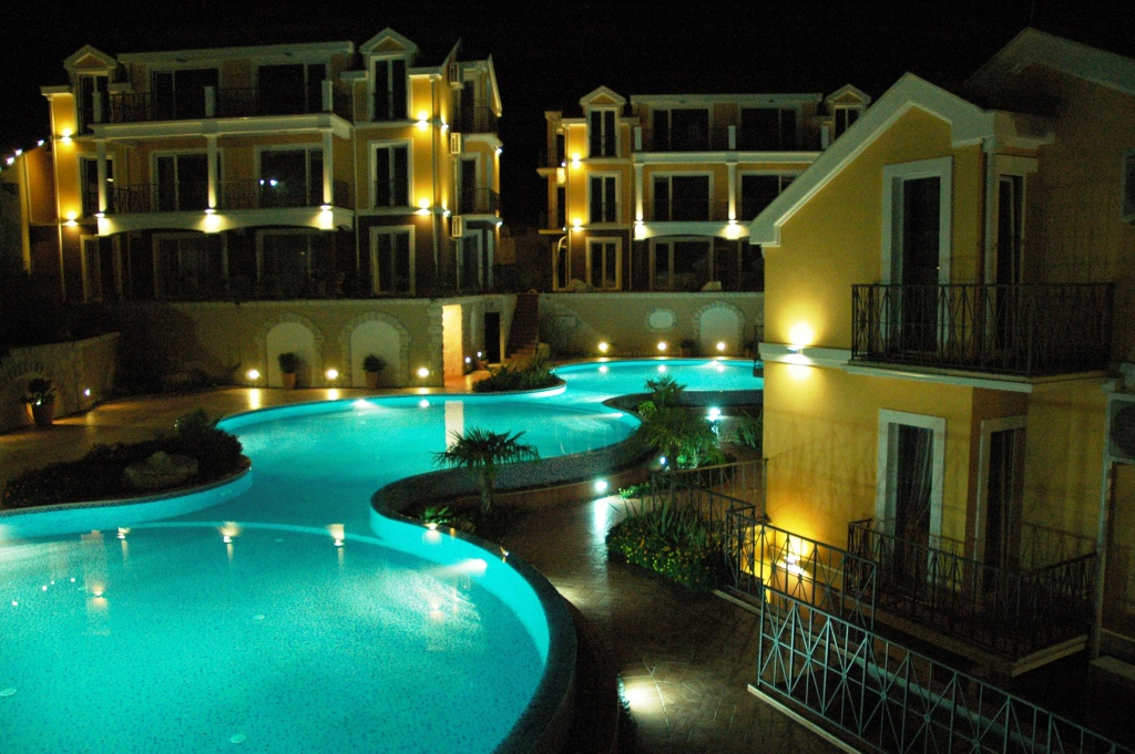 Просторные апартаменты в Бока Которском заливе, Ораховац