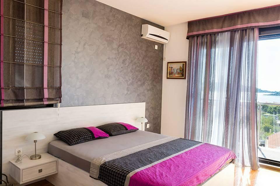 Просторные апартаменты класса «люкс» в Бечичи