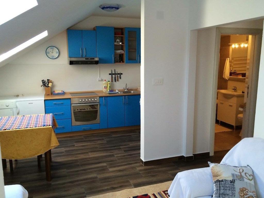 Квартира с одной спальней в Доброте, Котор