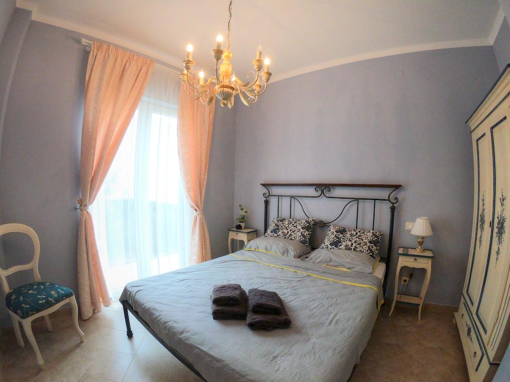 Апартамент с двориком в Бока Которском заливе, Ораховац
