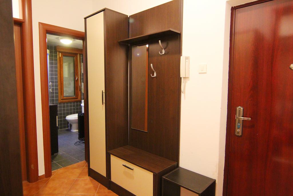 Двухкомнатные апартаменты в самом центре Тивата
