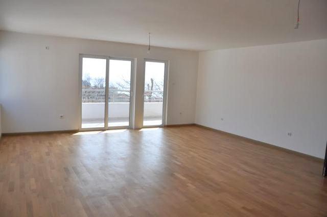 Апартамент в новостройке с видом на море в Петровац