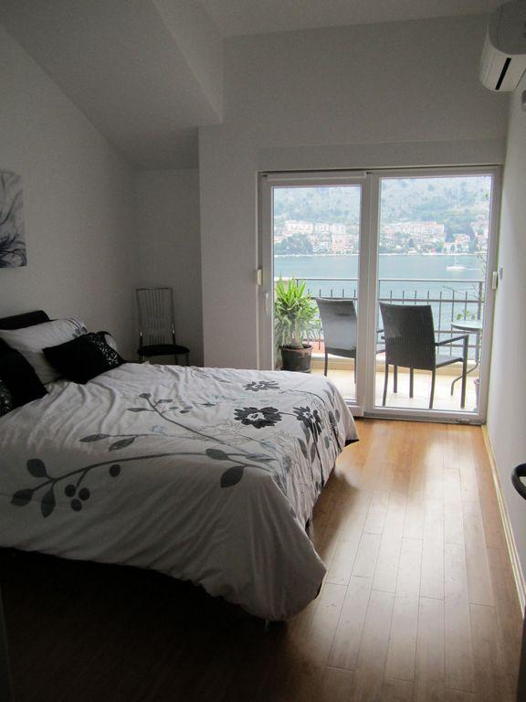 Стильный апартамент с видом на Которский залив