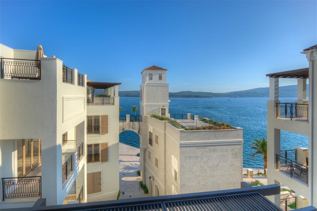 Апартамент с одной спальней в комплексе Porto Montenegro