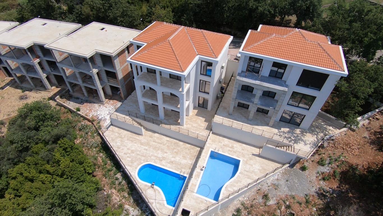 Апартамент в новом клубном коттеджном поселке в Режевичи