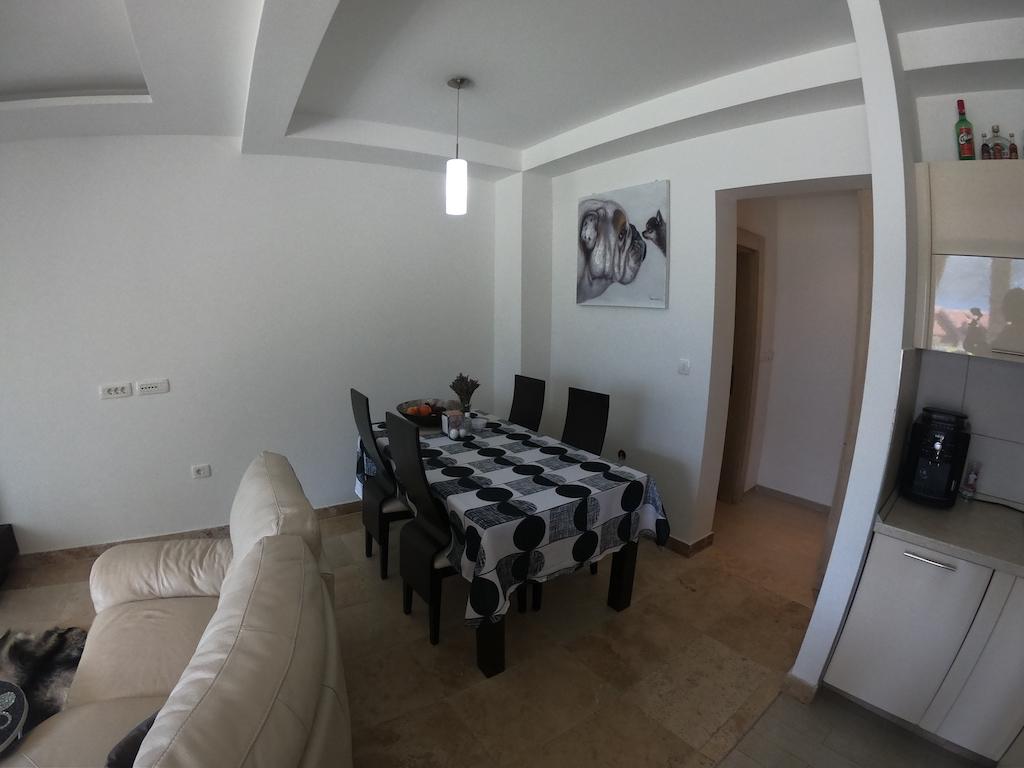 Апартамент в клубном комплексе на побережье в Костанице