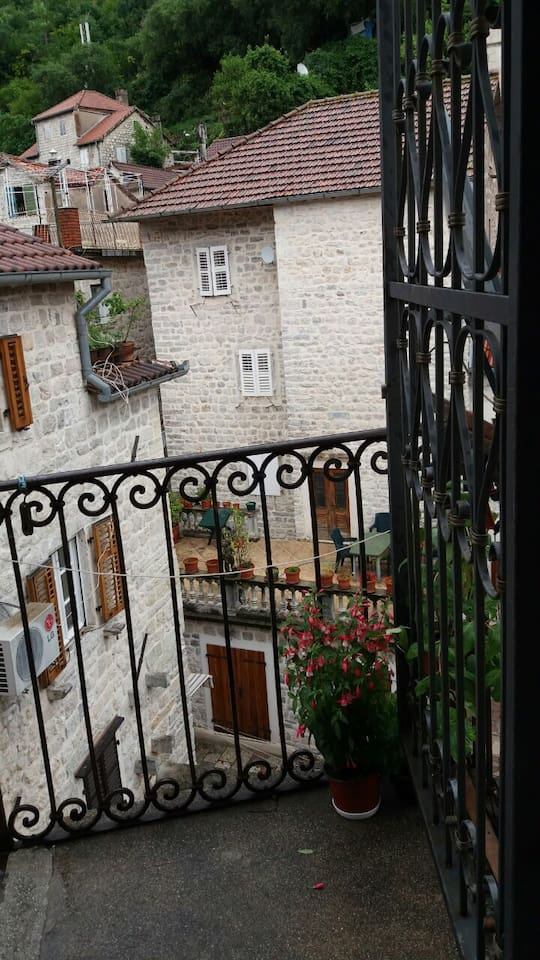 Апартамент с двумя спальнями в Старом Городе Котор