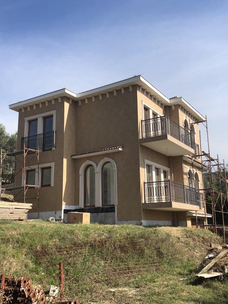 Недвижимость в черногории бока которская