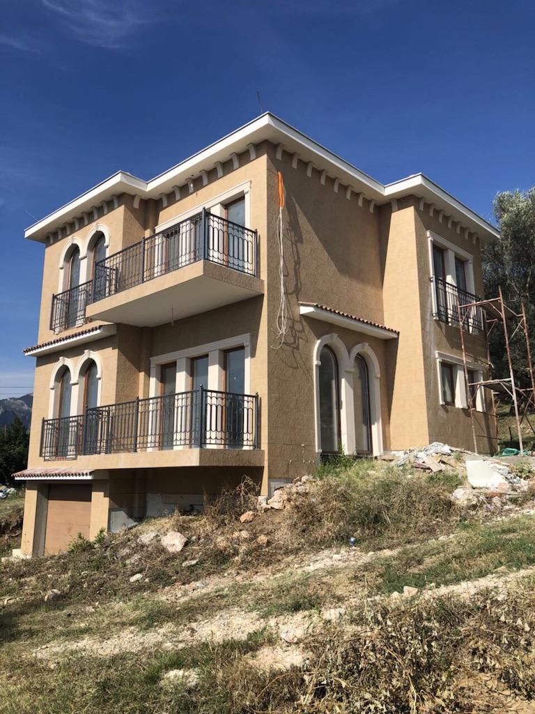 Черногория будва вилла двор корнич
