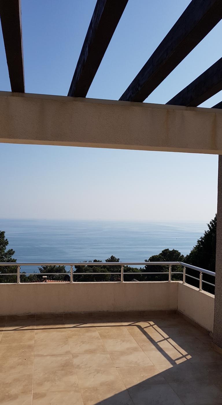 Новый таунхаус с видом на море
