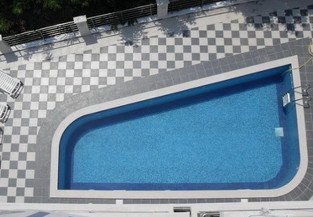 Апартаменты в клубном доме с бассейном