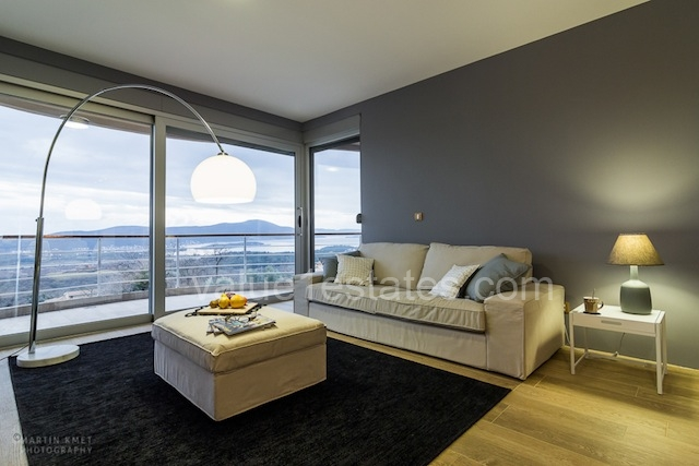 Апартаменты в комплексе с видом на Тиват