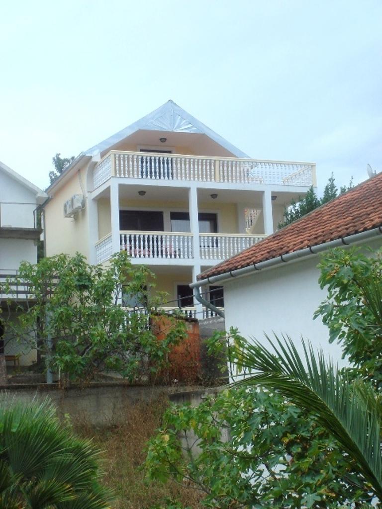 Уютный дом с видом на море в Утехе