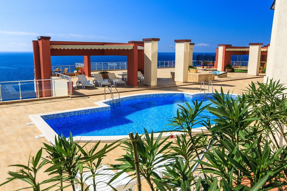 Апартаменты на самом берегу моря в жилом комплексе