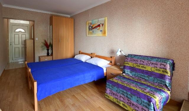 Апарт отель в тихой части Будвы