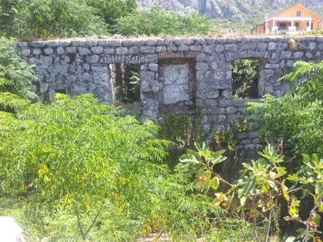 Руины под реконструкцию на первой линии в заливе